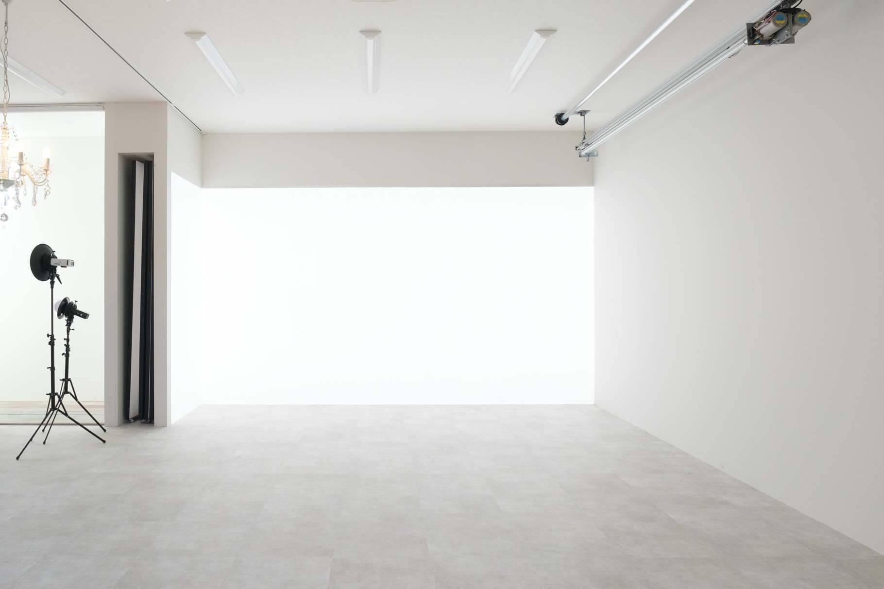 メインスタジオ光壁